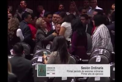 VIDEO   El registro da la vuelta al mundo: diputada mexicana se entera de la muerte de su hija en plena sesión