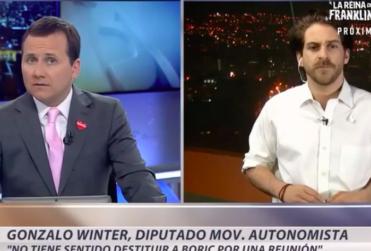 VIDEO |Canal 13 cortó entrevista del diputado Winter cuando hablaba sobre el show de la silla de ruedas de Pinochet