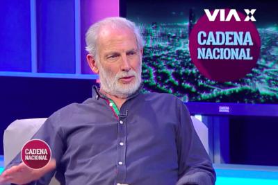 VIDEO |Héctor Noguera explica con manzanitas por qué respeta opiniones de derecha, pero no a Patricia Maldonado
