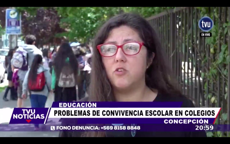 VIDEO |Alumnas protagonizaron violenta pelea mientras cámaras de TV registraban entrevista sobre convivencia escolar