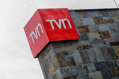 """VIDEO   """"Por culpa de directores…"""": Pavlovic se llevó ovación del Copihue de Oro con discurso sobre crisis en TVN"""