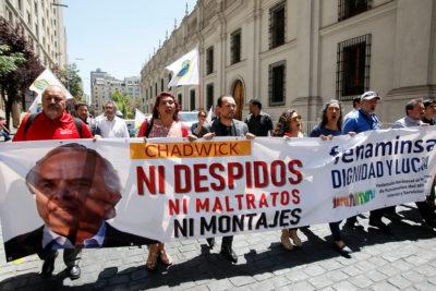FOTOS |Funcionarios del Ministerio del Interior protestaron contra Andrés Chadwick