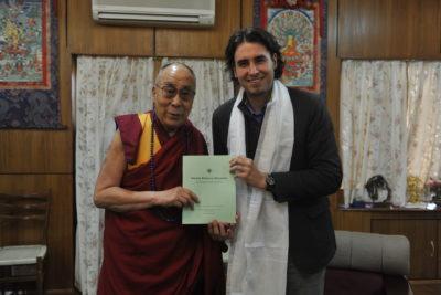 """""""Currículum de la Felicidad"""": el proyecto que une al diputado Vlado Mirosevic con el Dalai Lama"""