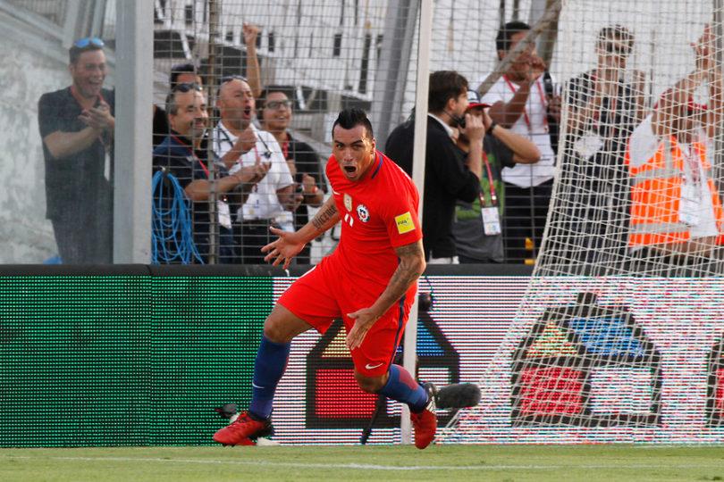 Esteban Paredes será homenajeado por la selección chilena