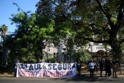 Apoderados y estudiantes del INBA rechazan Aula Segura y muerte de mapuche