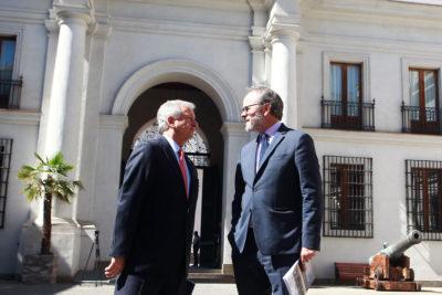 Ministro Larraín culpó a las Fiestas Patrias por bajo Imacec de septiembre