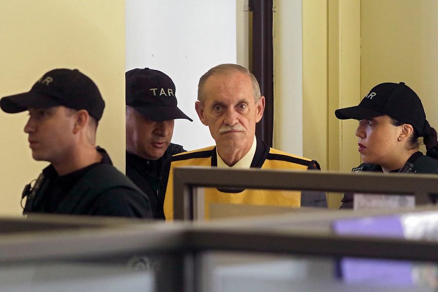Miguel Krassnoff suma 13 nuevos años de cárcel y podrá salir en libertad cerca del año 2700