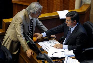 """""""Raspados de olla"""" y """"regalón de Karadima"""": round Ossandón – Moreira entra al top 3 de las peleas políticas del 2018"""