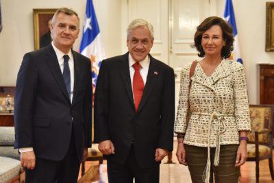 Ana Botín se reúne con Presidente Piñera para apoyar plan que busca que miles de chilenos terminen su escolaridad