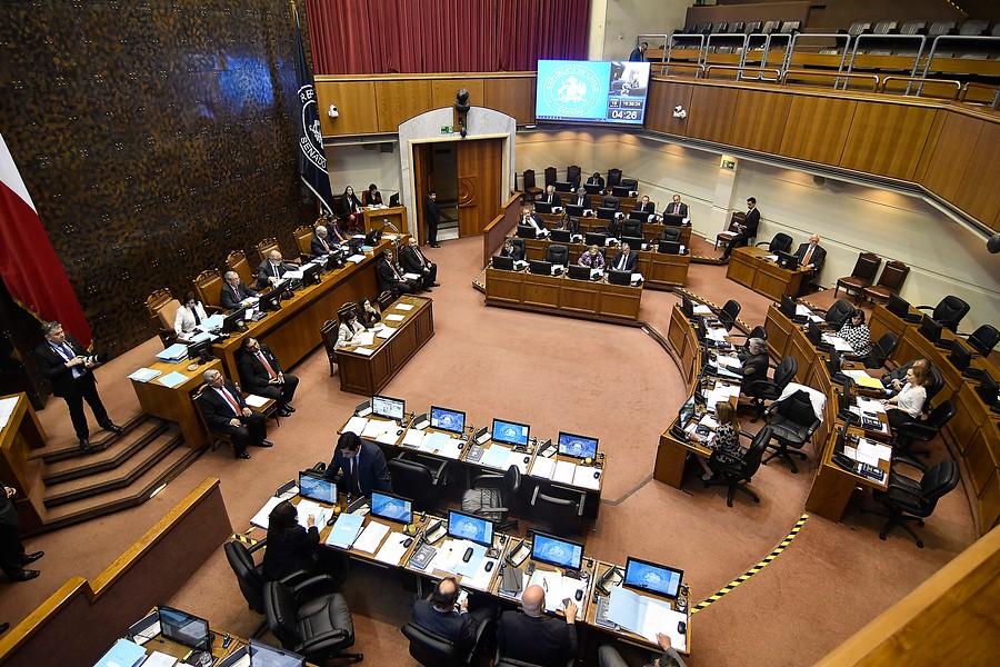 Senado rinde un minuto de silencio por muerte de Camilo Catrillanca