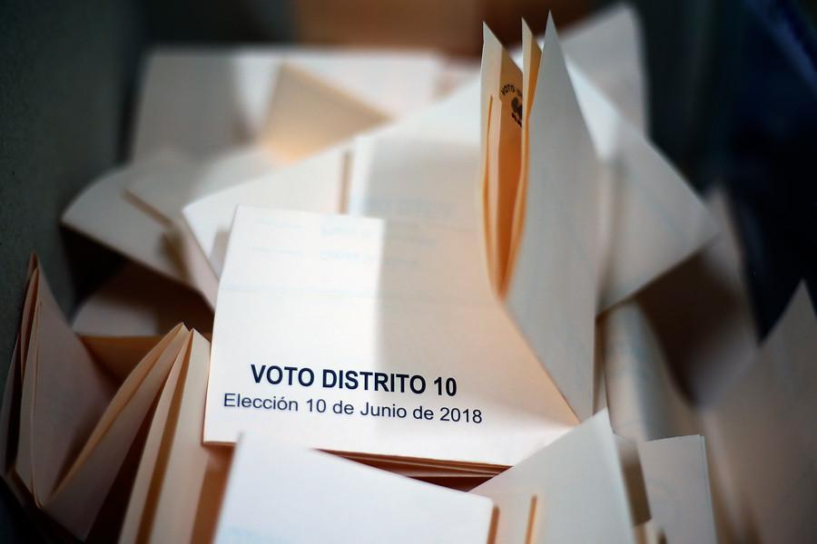 Presentan proyecto para que los chilenos puedan votar desde los 16 años