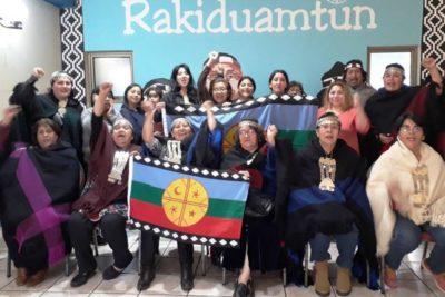 """Mujeres mapuches toman distancia de diputada Leuquén (RN): """"Nos está avergonzando"""""""