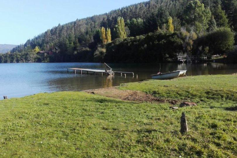 """Comunidades mapuche anuncian """"recuperación y toma de posesión"""" de tierras en el lago Lleu Lleu"""