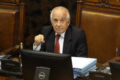 """""""Ah, puede ser, no sé…"""": Zaldívar se enteró en plena entrevista que parlamentarios de Valparaíso sí reciben viáticos"""