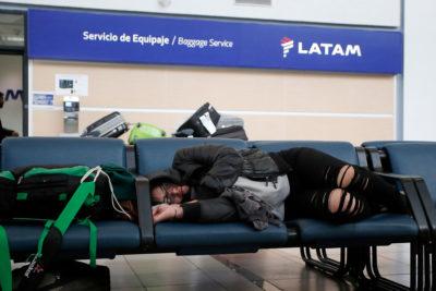 Sindicato de Latam Airlines confirma huelga en el aeropuerto de Santiago