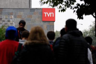 """""""Mi contrato terminó antes porque TVN está como está"""": actriz anuncia su salida del canal tras 4 años"""