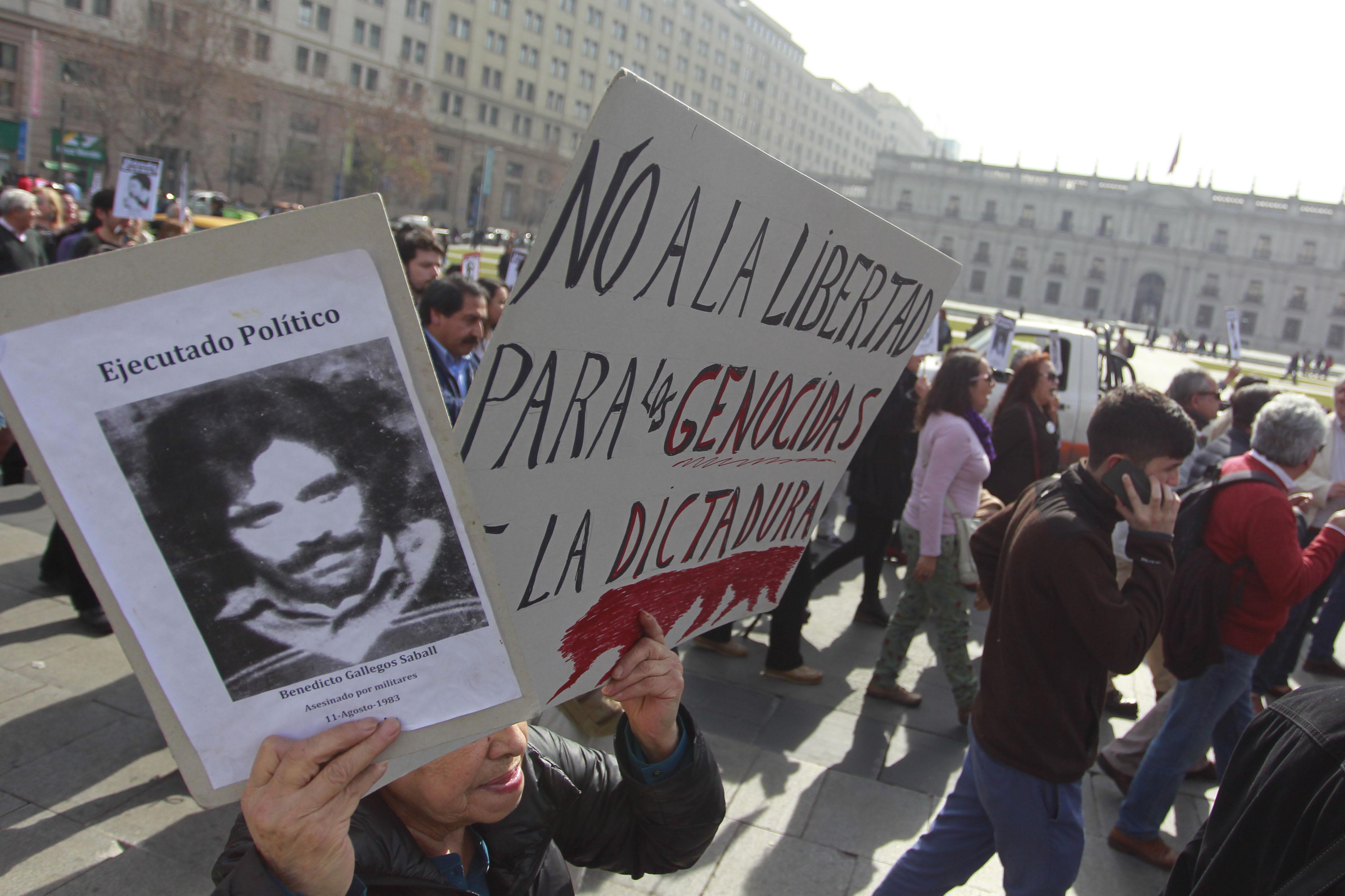 Proyecto de ley del gobierno fija en 75 años acceso a libertades condicionales