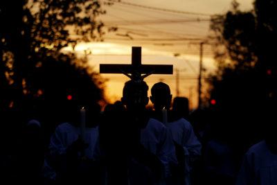 Baja cifra de chilenos que se declaran católicos en medio de aguda crisis de la iglesia
