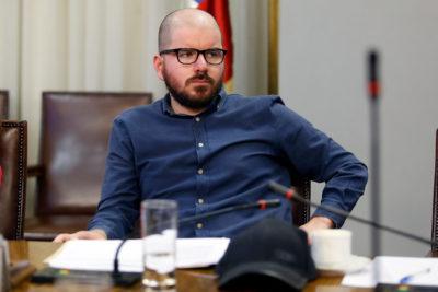 """Giorgio Jackson cuestiona al TC por objeción de conciencia: """"Sus siglas corresponden a Tercera Cámara"""""""