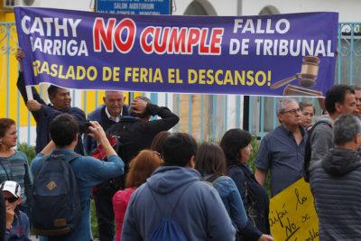Otro problema para Cathy Barriga: vecinos de Maipú exigen traslado de feria
