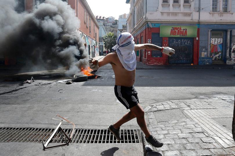 Violenta protesta de trabajadores portuarios en Valparaíso