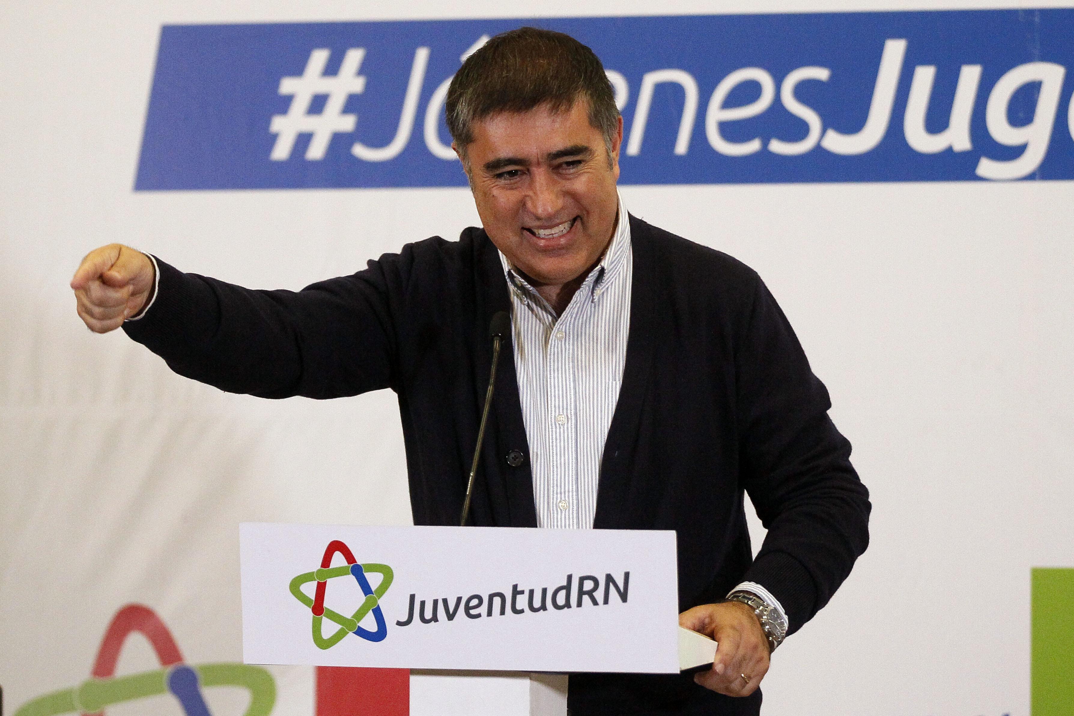 """Manuel Guerrero apunta al """"doble estándar"""" de RN con comparación de Hitler y el Holocausto"""