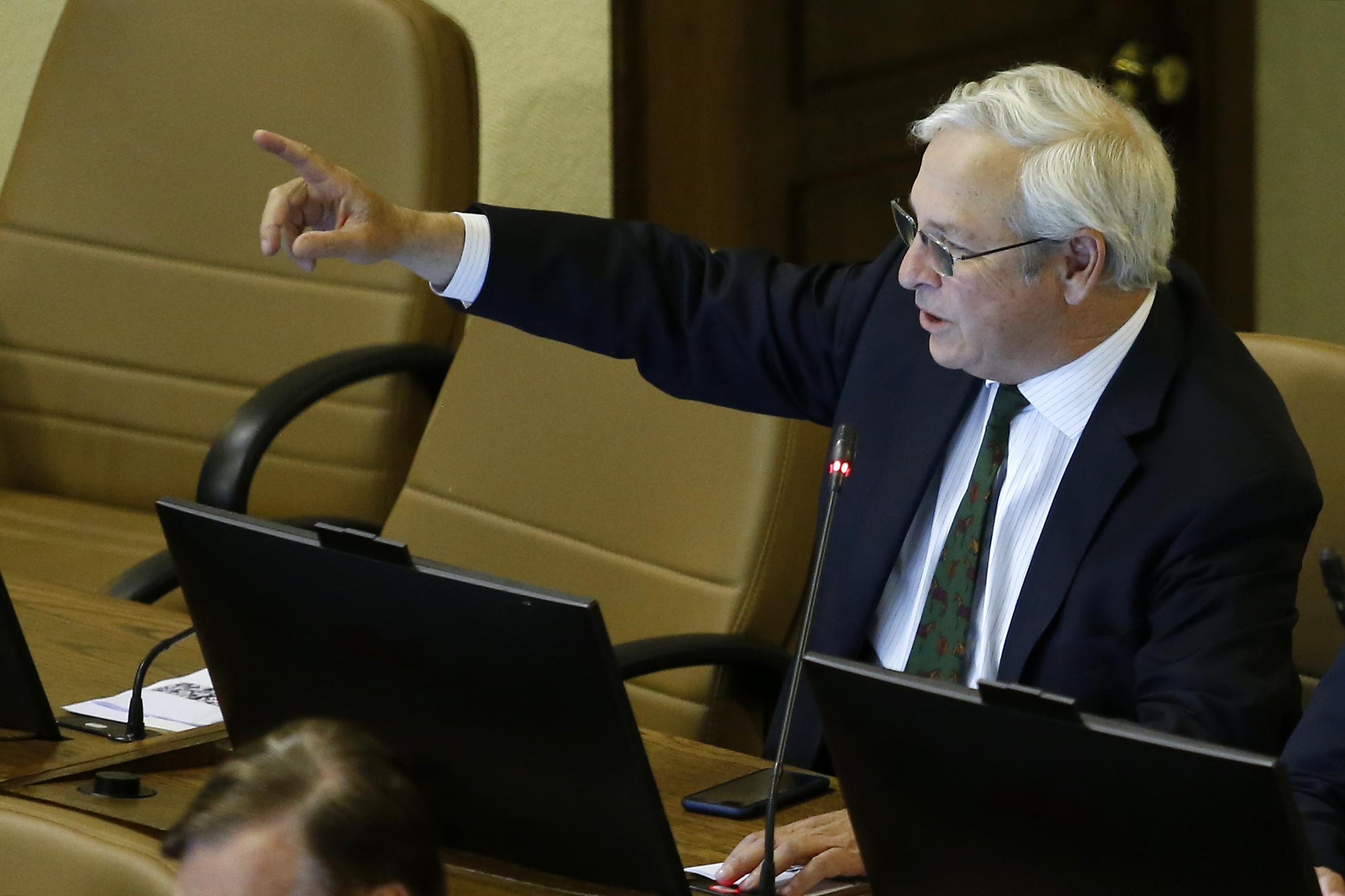 """""""La Comisión de Ética vale callampa"""": Urrutia afirma que fue """"desatino"""" que Nuyado hablara en mapudungún"""