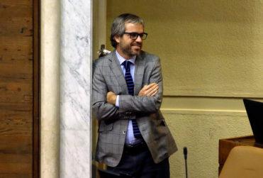"""La particular """"participación"""" del ministro Blumel en Pasapalabra de la mano de Soa Ledy"""