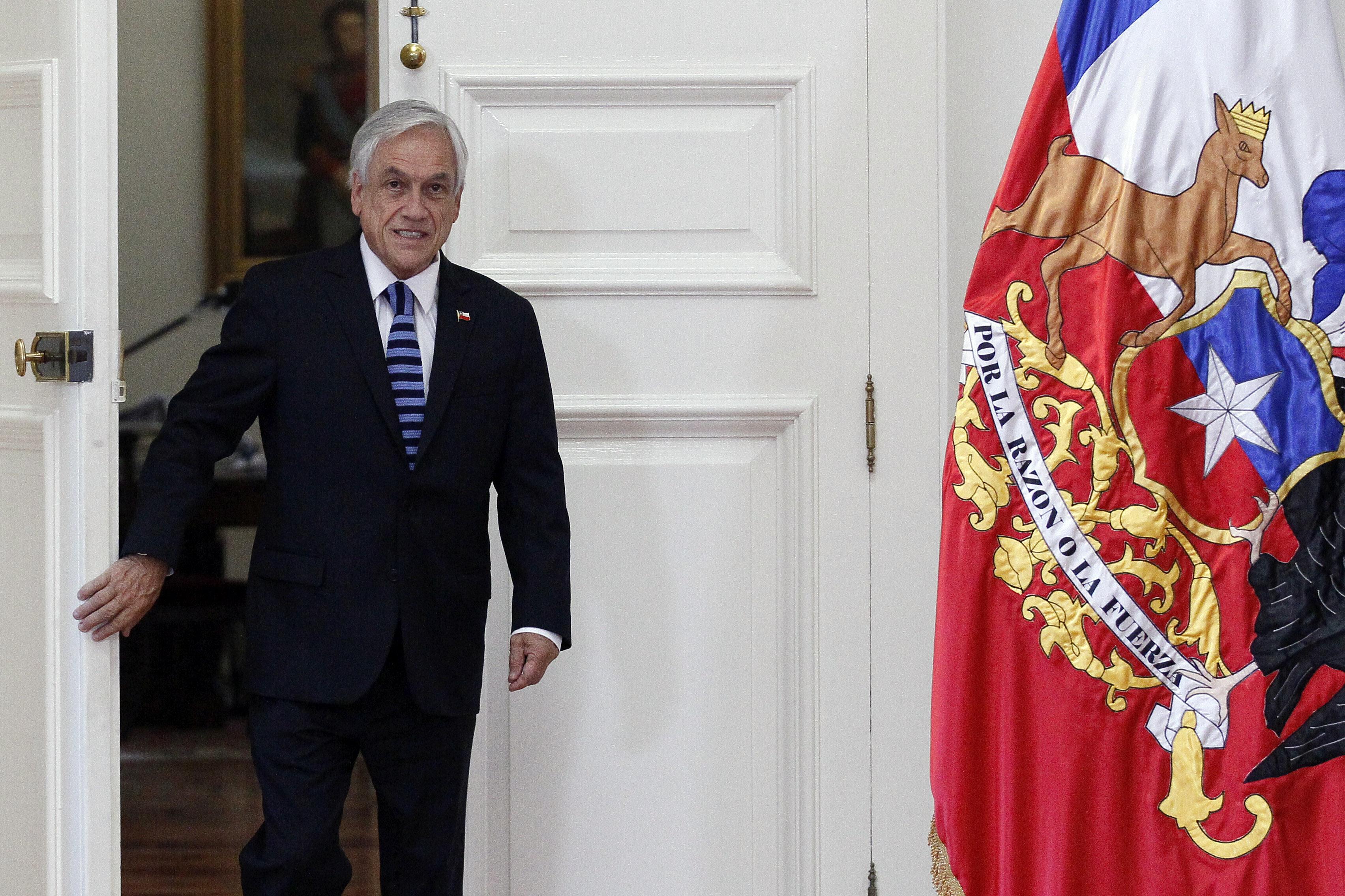 """""""Piñera encabeza primera reunión del año con ministros en La Moneda"""""""