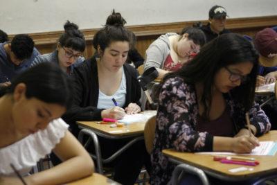 Más de 100 estudiantes chilenos ingresaron a nueva generación de jóvenes que hablan inglés