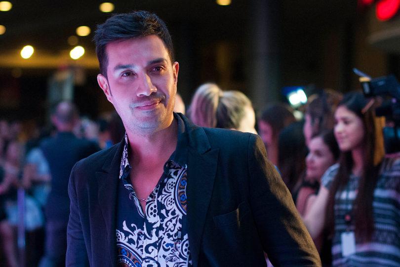 La particular campaña del actor Héctor Morales para sacar del mapa comunicacional a Camila Flores