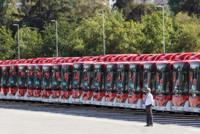 """Piñera por primeros 100 buses eléctricos del Transantiago: """"Es una revolución"""""""