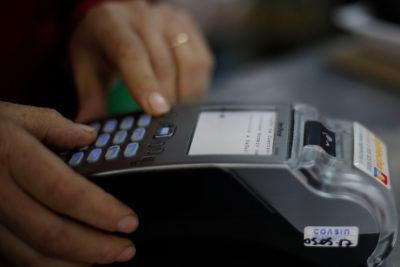 Cerca del 50% de usuarios chilenos entrega datos personales a cambio de descuentos y cupones en línea