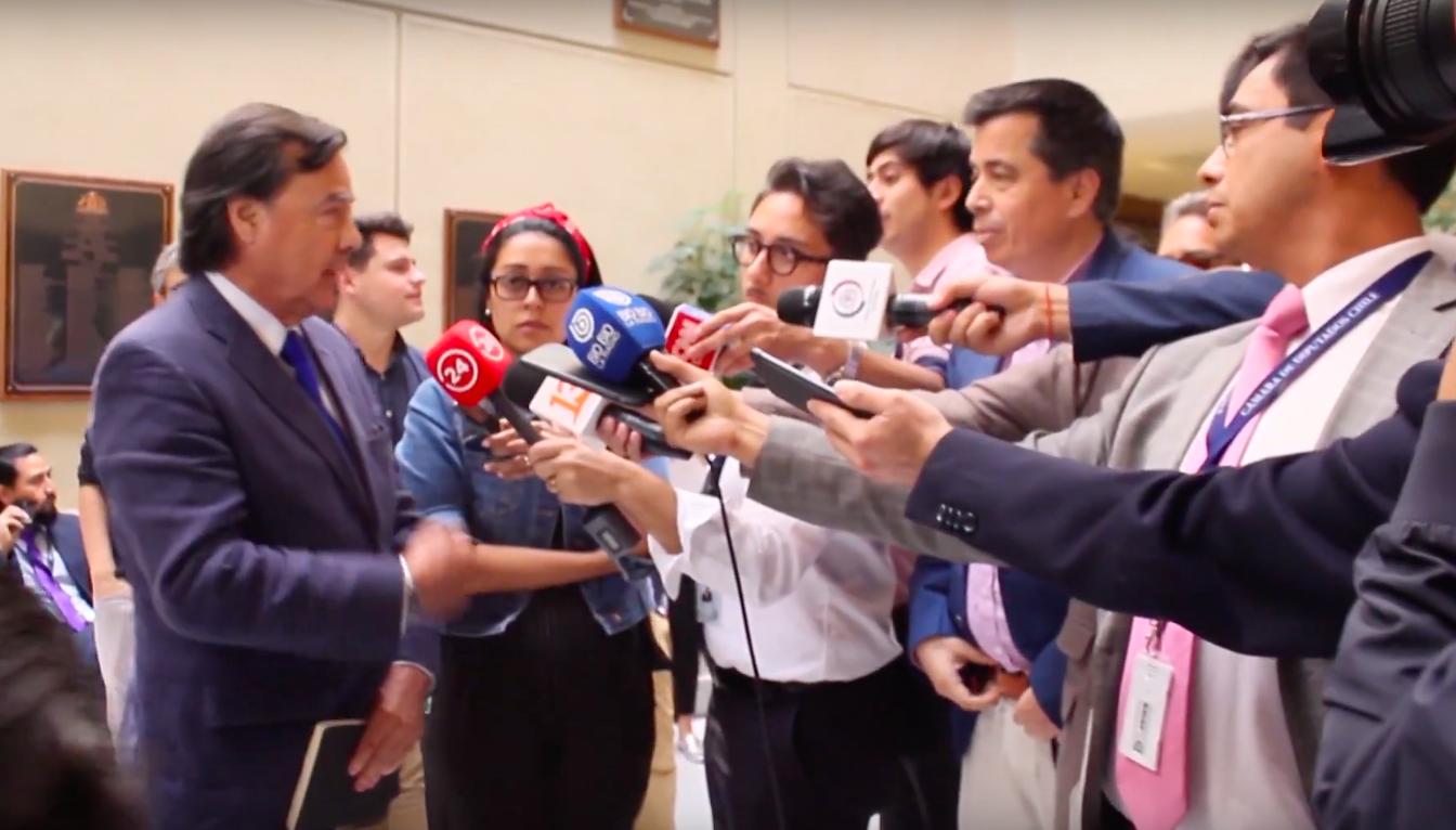 """""""VIDEO  """"Si eres tan hombre, vamos al pasillo"""": ordinaria pelea entre Urrutia (UDI) y Celis (RN) en pleno Congreso"""""""