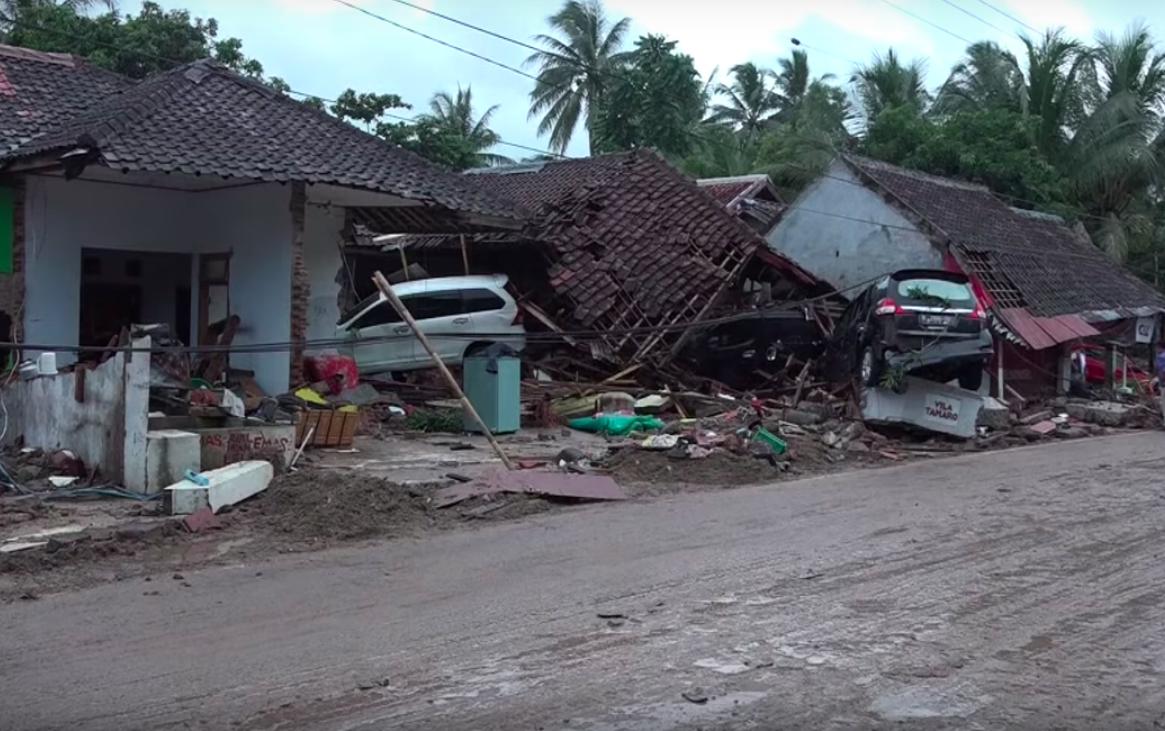 VIDEOS | Cinco registros que muestran la magnitud del desastre en Indonesia tras el tsunami