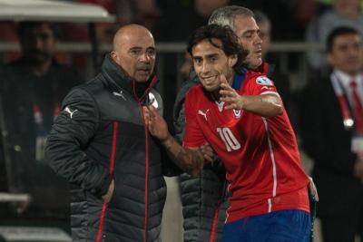 Jorge Sampaoli iría por Jorge Valdivia para reforzar a Santos