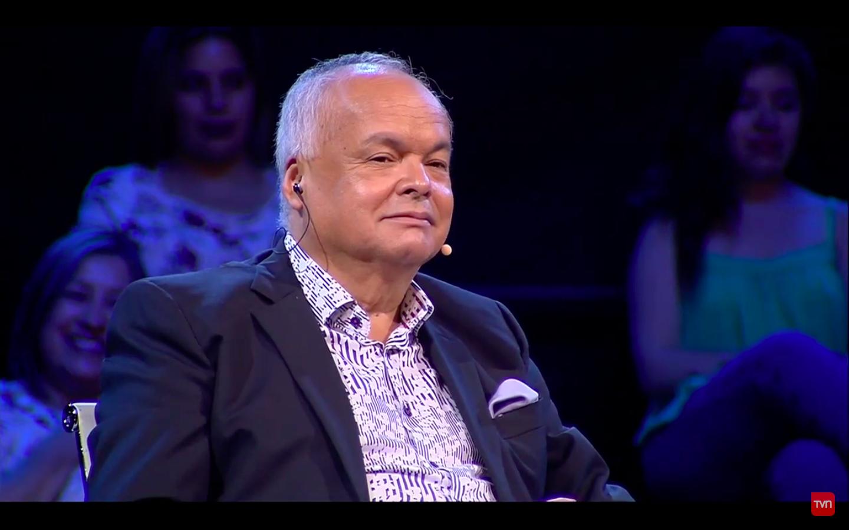 VIDEO  Álvaro Salas recibe dura broma de participante sobre hijos en su debut como jurado en programa de TVN