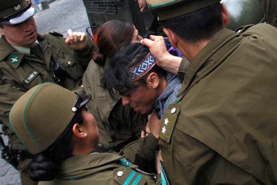 INDH presentará acciones contra Carabineros por nuevo episodio de violencia a adolescente que iba con Catrillanca