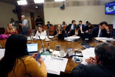 Comisión aprobó proyecto que busca erradicar la violencia contra las mujeres