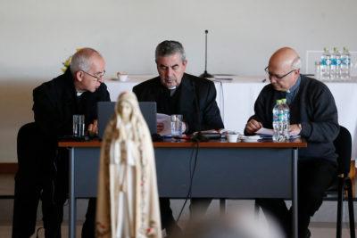 """Diputado Carter (UDI) critica a la Iglesia por dedicar mensaje navideño a """"mapuches, migrantes y personas con VIH"""""""