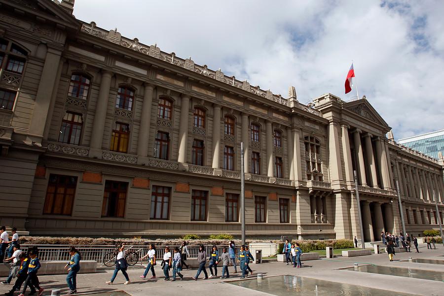 Condenan a ex agentes de la CNI por homicidio en falso enfrentamiento