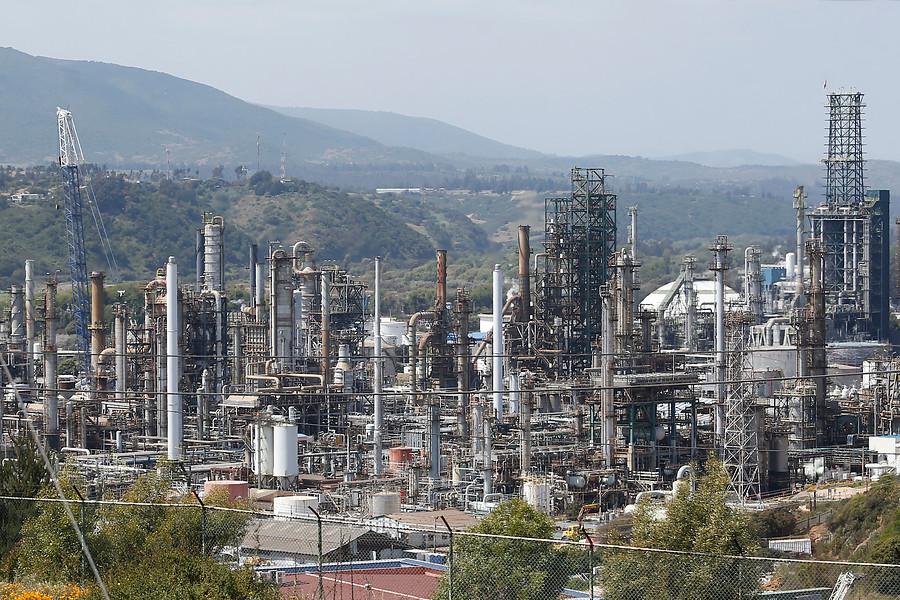 ENAP desarrolla metodología estandarizada para calcular la huella de carbono de sus operaciones en Chile y en el extranjero