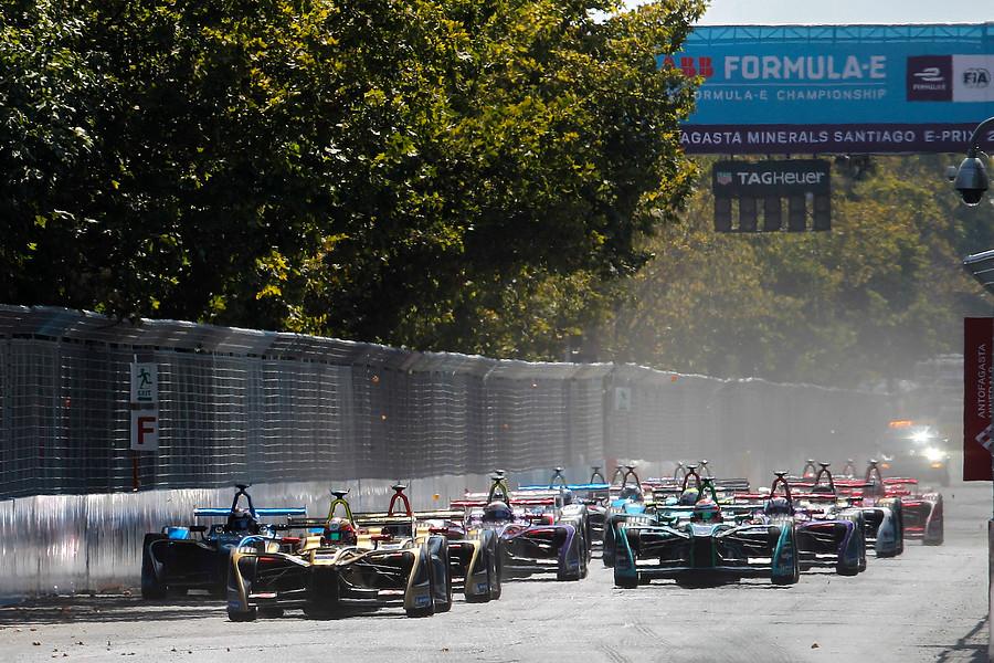 """""""Vecinos de parque O'Higgins votan por instalar cámaras de seguridad con dineros de Fórmula E"""""""