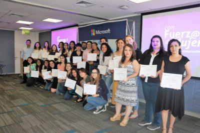 """Programa """"Con Fuerza de Mujer"""": 40 nuevas emprendedoras digitales reciben certificación"""