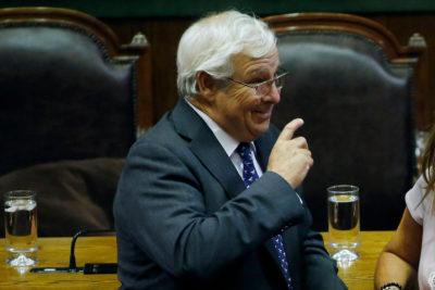 """""""Soy cliente habitual"""": diputado UDI Ignacio Urrutia ahora se burla de quienes lo quieren pasar a Comisión de Ética"""