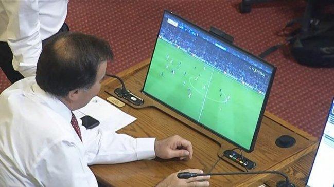 Diputado Pablo Prieto prefirió ver un partido de fútbol en medio de la interpelación a Chadwick