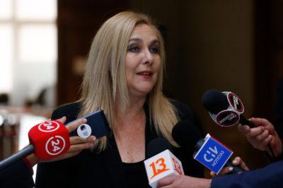 """""""CEP es 'Comando de Encuestas Piñeristas'"""" y otras frases de Pamela Jiles por no ser incluida en sondeo"""