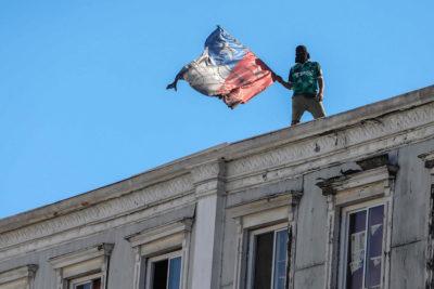 Trabajadores del puerto de Valparaíso volvieron a la calle tras rechazar oferta