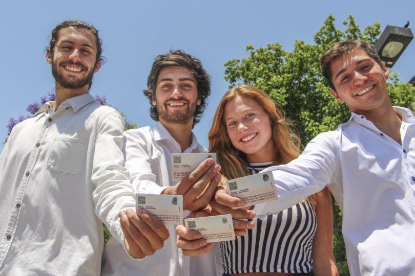 Universitarios chilenos crean tickets que no se pueden falsificar ni revender mas caros