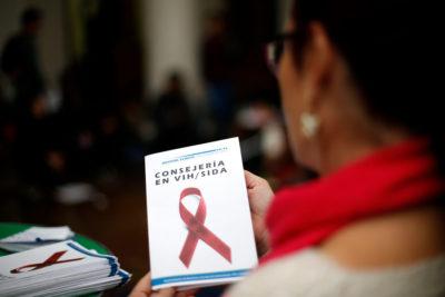 Minsal inició búsqueda de 30.000 casos de VIH que desconocen su condición